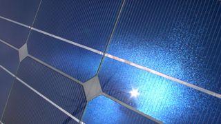 Vil ha solkraftverk i rommet
