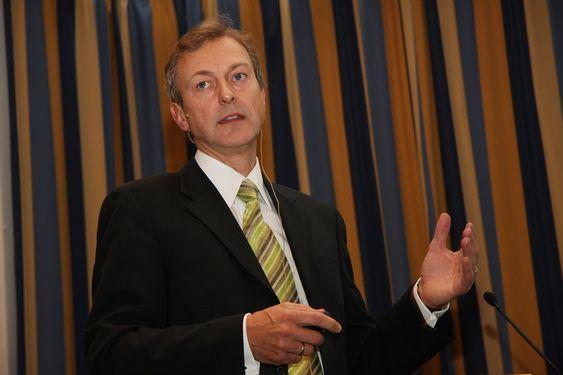 Administrerende direktør Karl-Johan Bakken, Farstad Shipping