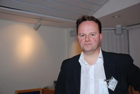 Cato Kjølstad, NoBio, i møte med statsråd Terje Riis Johansen 3. november 2009