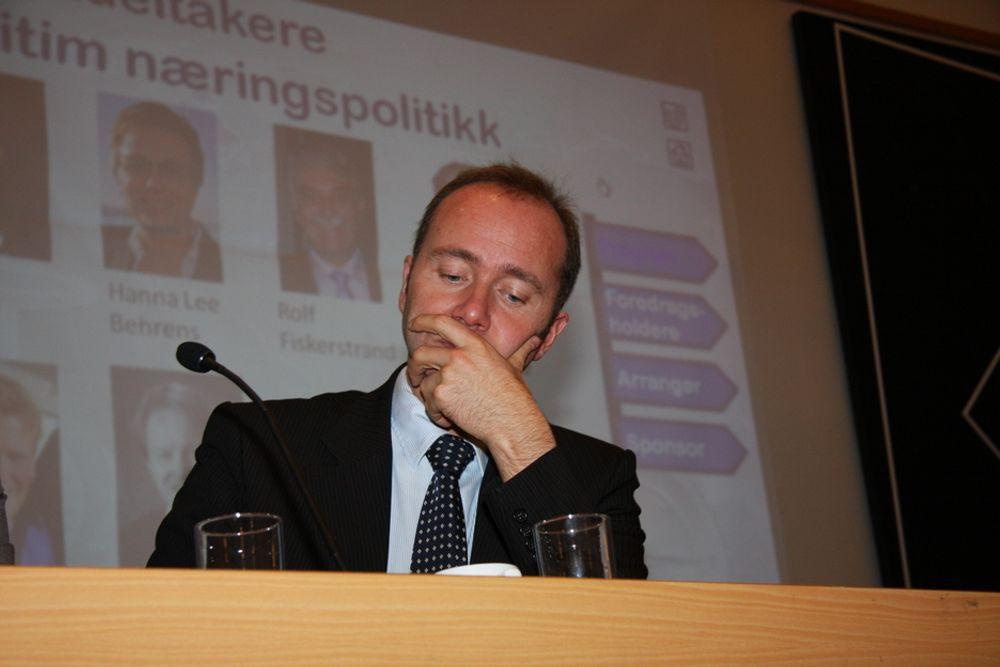 IKKE NOE GJESP: Nærings- og handelsminister Trond Giske begeistret forsamlingen under Verftskonferansen i Ålesund i dag.