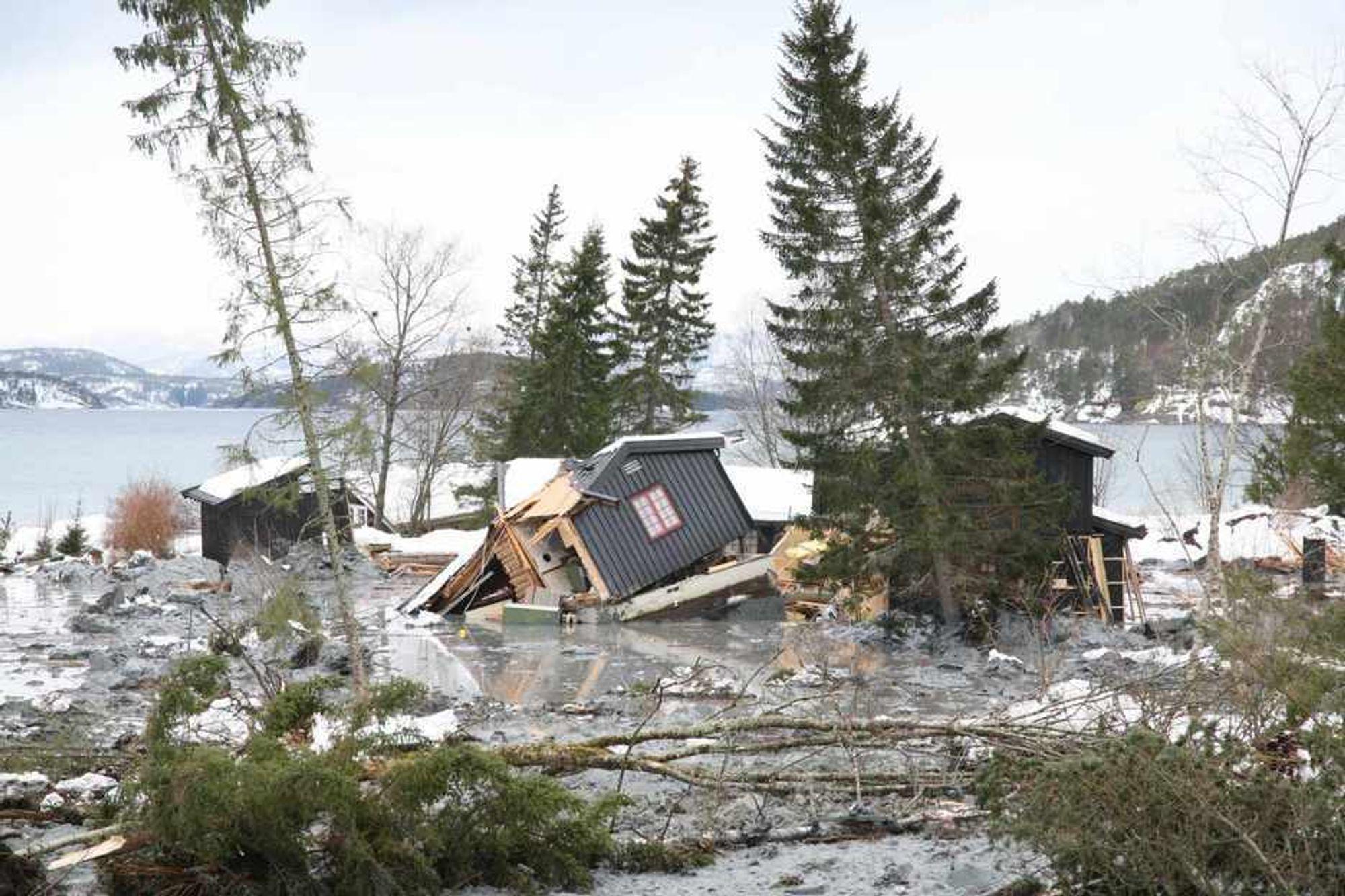 STORE SKADER: Ingen menneskeliv gikk tapt, men Namsos-raset fredag ga store materielle skader.