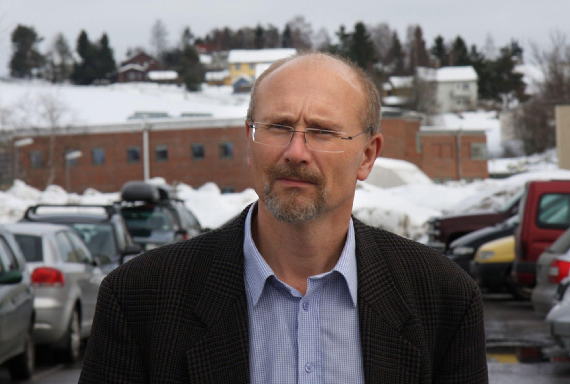 GALSKAP: - Slik veipolitikken drives i Norge, er galskap, sier amanuensis ved Høgskolen i Akershus, Knut Boge.