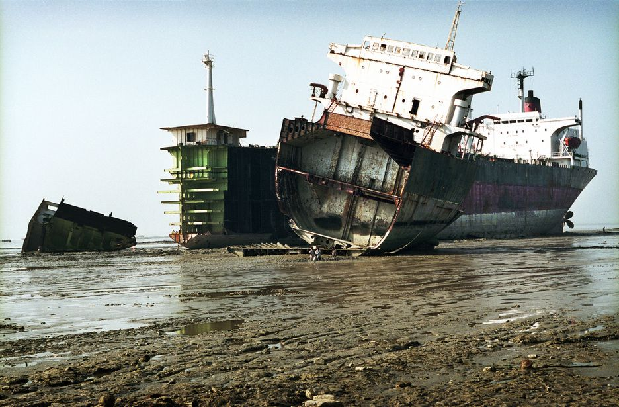 Skipsopphugging, beaching, shipbreaking, opphugging, skip, IMO-konvensjon, forurensning, miljøfarlige stoffer