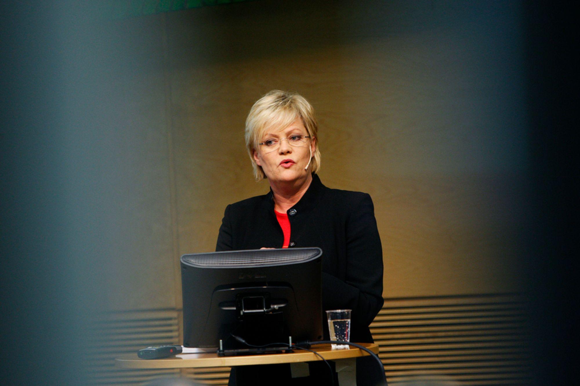 Finansminister Kristin Halvorsen har omgjort tollmyndighetenes vedtak om avgift for Norcem.