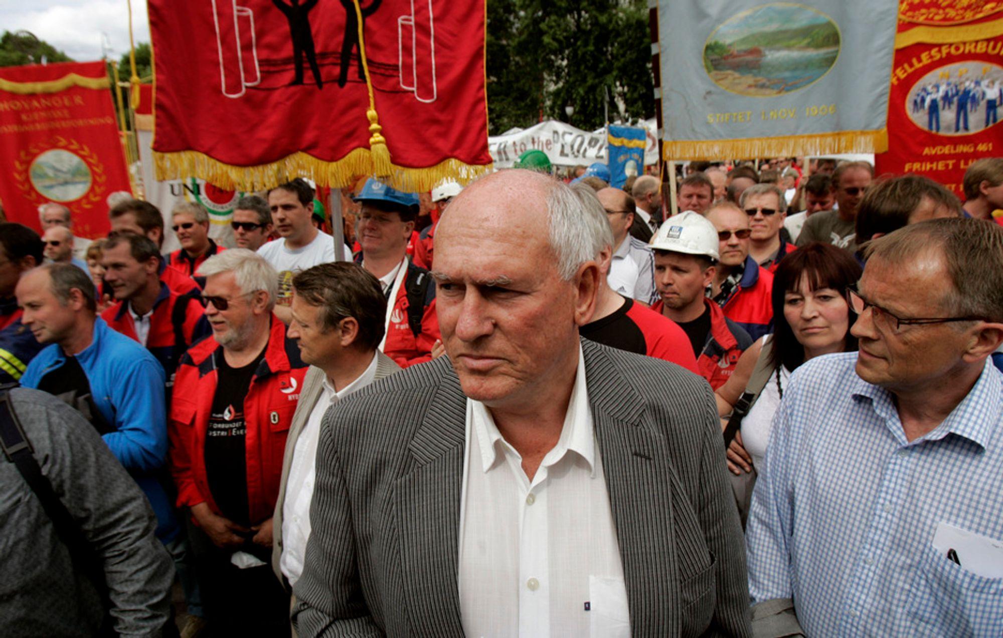 IKKE FØRSTE GANG: LO-leder Roar Flåthen var tilstede da medlemmer fra LO-forbundet Industri Energi demonstrerte for industrikraft utenfor Stortinget i juni i fjor.
