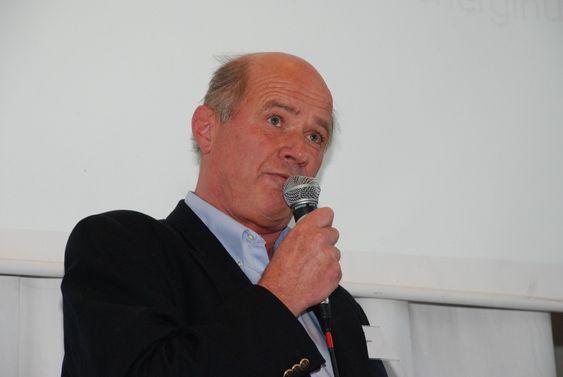 """Peter Groth, direktør i Aspelin Ramm. Bildet er tatt under Bellonas presentasjon av rapporten """"En helhetlig klimaplan"""" 6. mai 2009."""