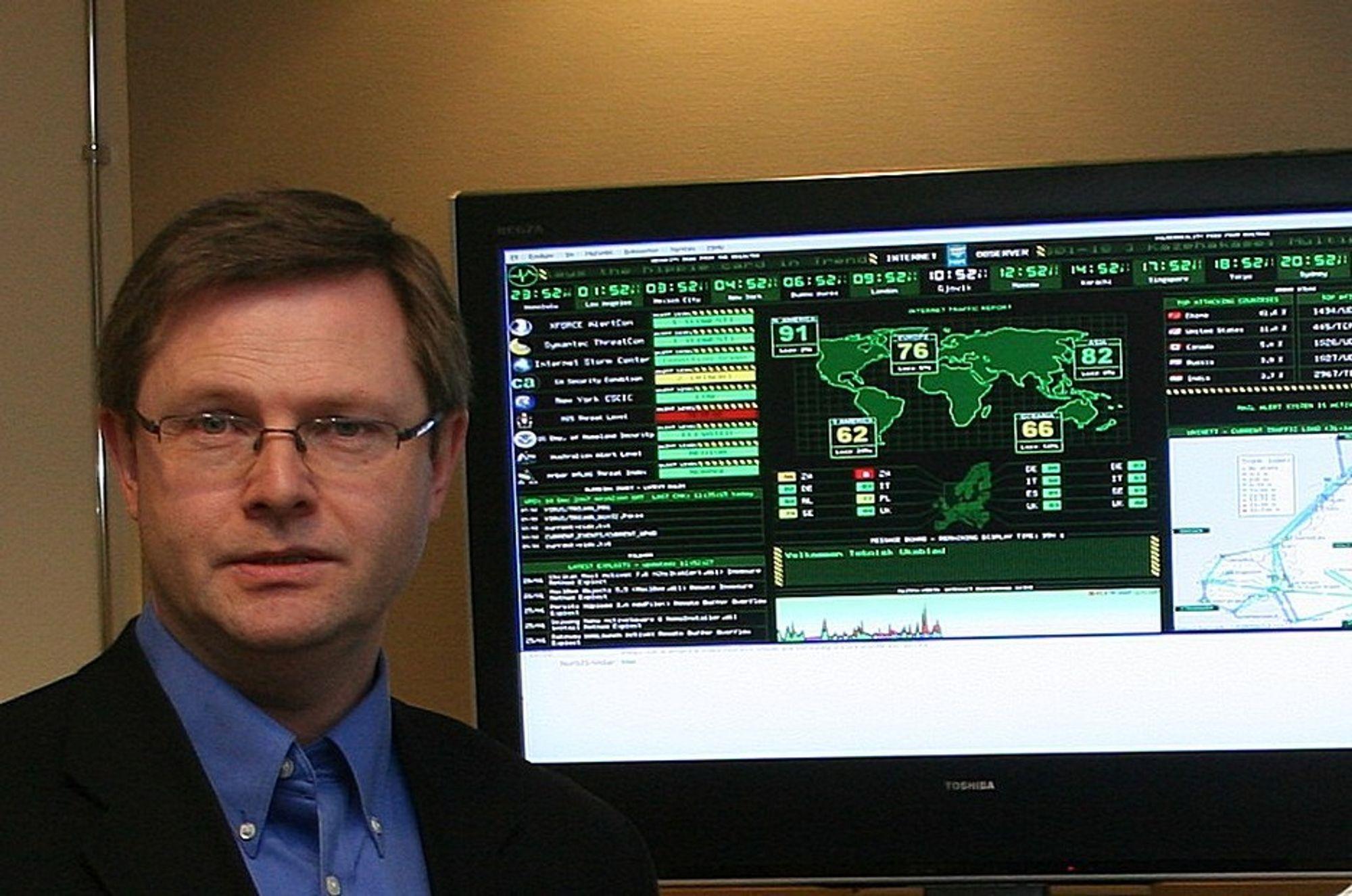 TRENE MER: Daglig leder Morten Schjelderup og resten av aktørene i Security Valley får trene mer på simulerte datakriser med den ekstra potten fra FAD.