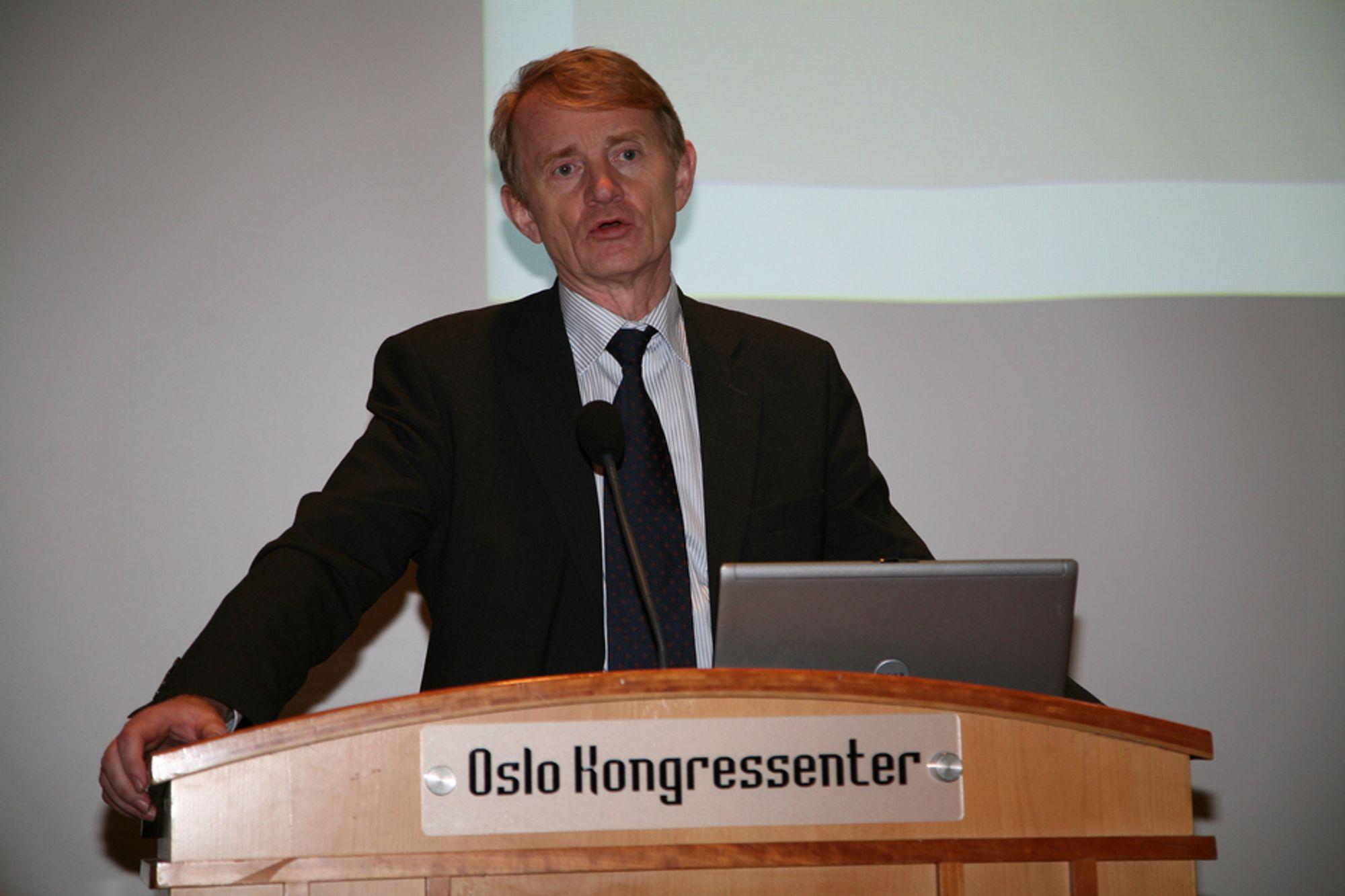 OPP: Den anstrengte internasjonale økonomien og det at mange arbeidsinnvandrere har opparbeidet seg trygderettigheter i Norge er blant grunnene til at NAV øker prognosene.