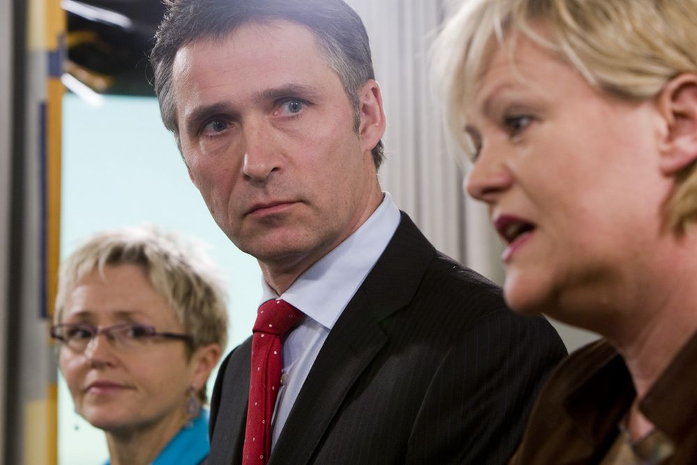 USIKKERHET: Kristin Halvorsen (til høyre) mener tiltakspakken redder 10 000 færre arbeidsplasser enn byggenæringen gjør.