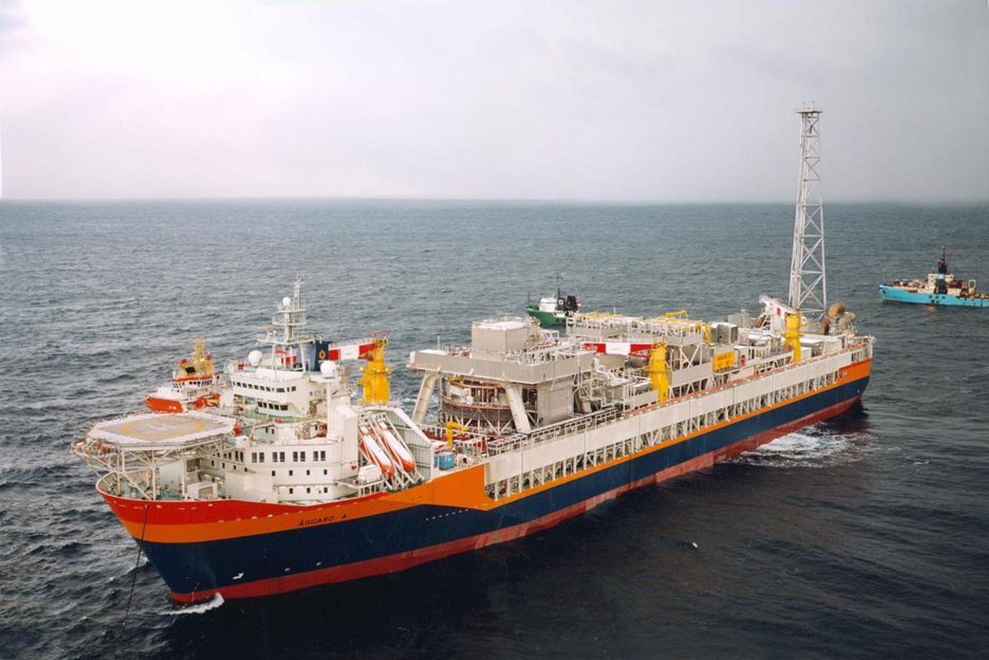 SKIP: Her på Åsgard A skal ABBs kraftforsyningsenhet stå. Kraften sendes i en 43 km lang kabel til subseaenheten.