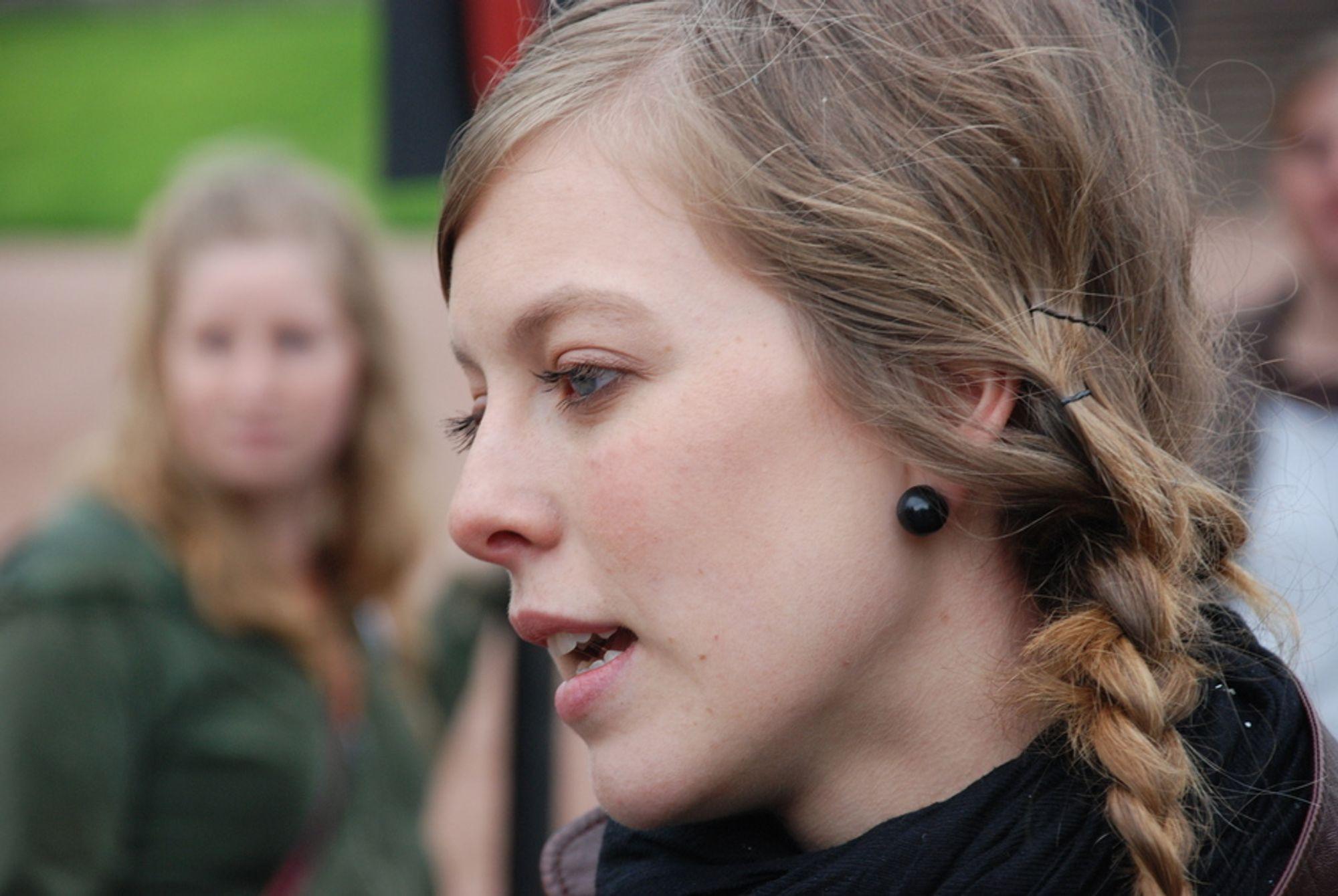 Natur og Ungdom-leder Ingeborg Gjærum raser mot Liv Signe Navarsetes fornybarplaner.