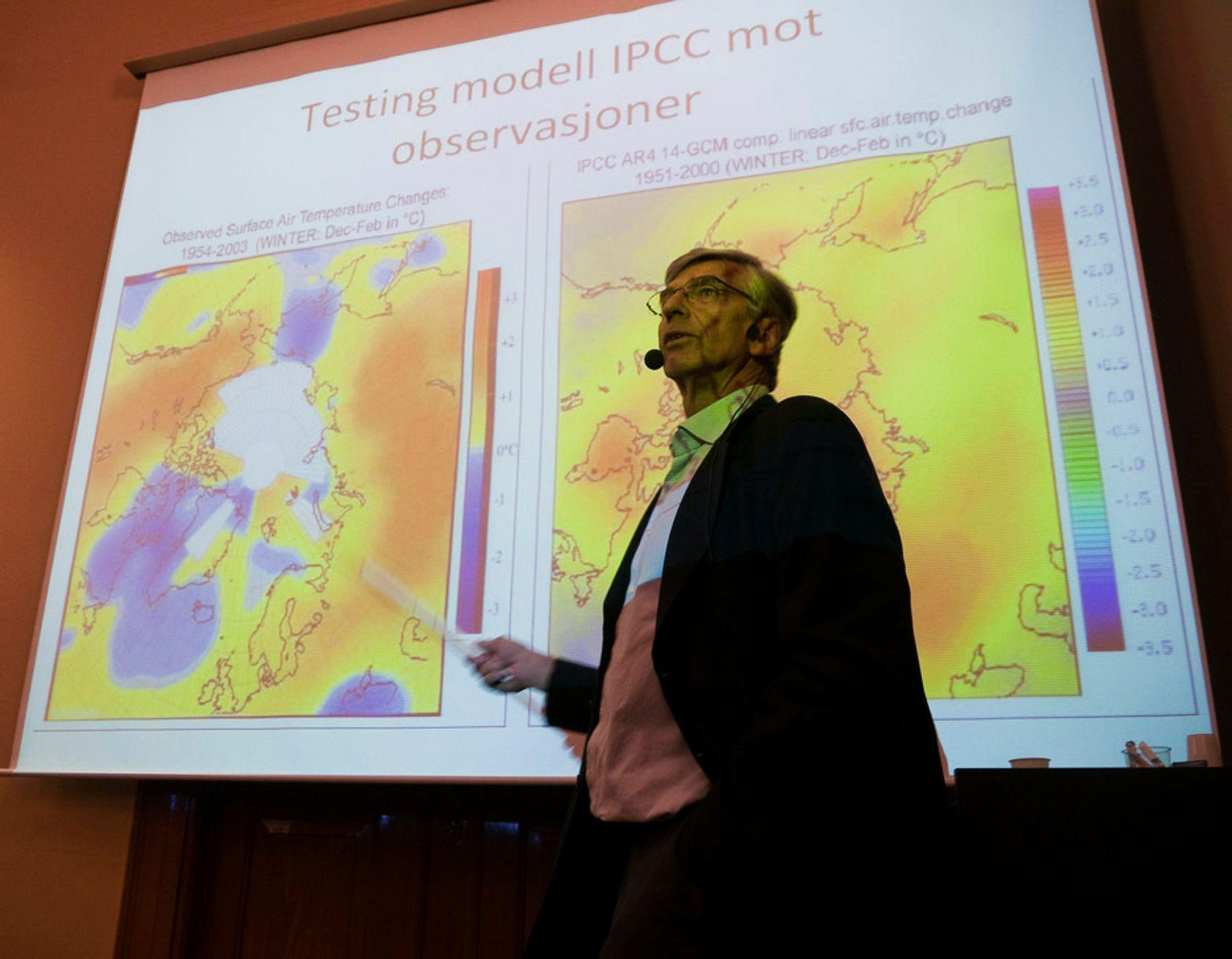 - Hvor er overskriftene, pressemeldingene og oppmerksomheten nå når satellittmålinger viser at det ikke har vært så lav snøsmelting i Antarktis på 30 år, spør professor Ole Henrik Ellestad.