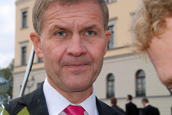 Miljø- og utviklingsminister Erik Solheim (SV). Bilde tatt da ny regjering ble presentert på slottsplassen 20.10.09