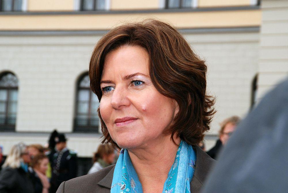 Hanne Bjurstrøm kritiseres for ikke å ha gjort effektberegninger på tiltakene for å få ned sykefraværet.