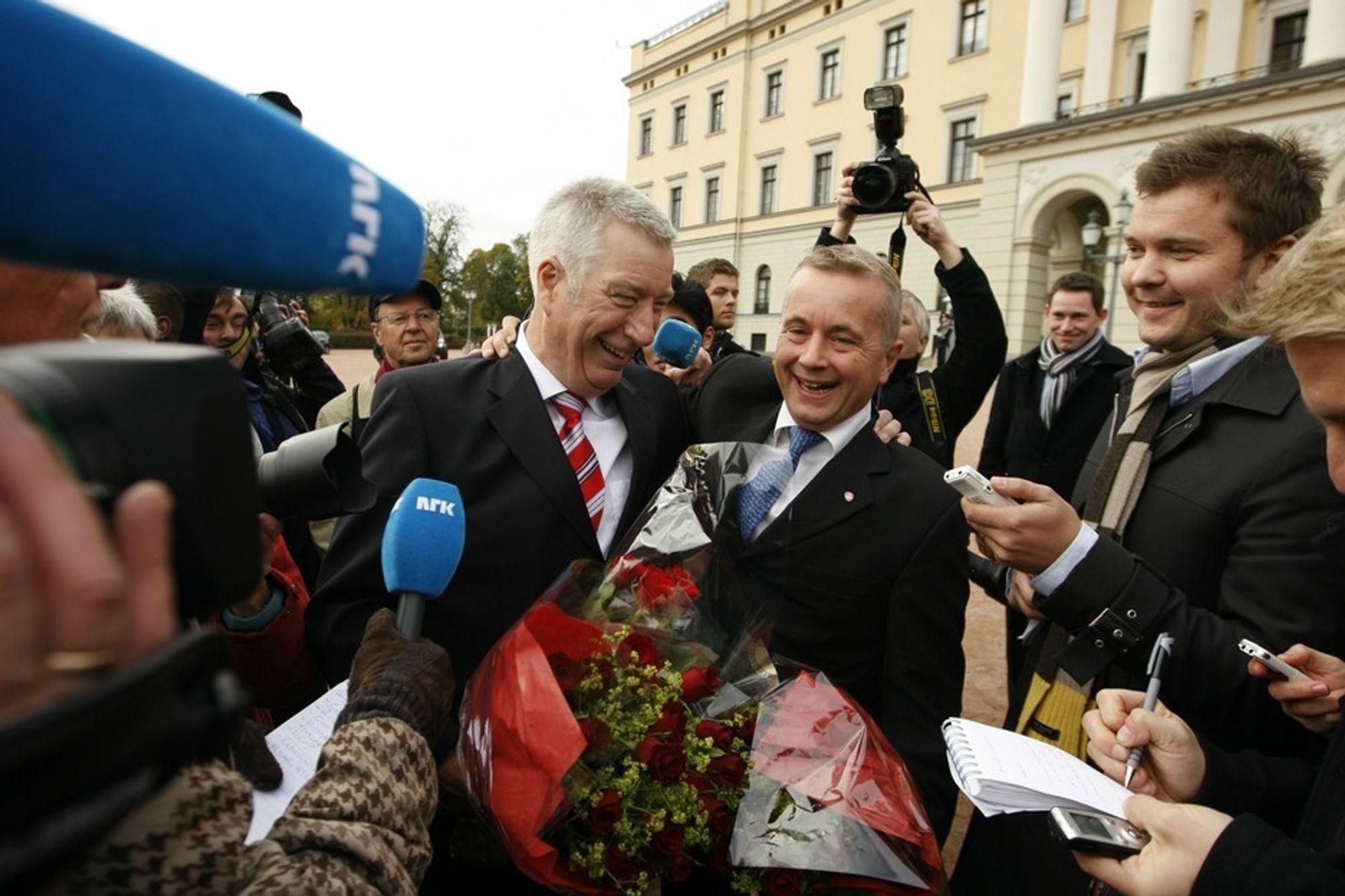 NY REGJERING: Sigbjørn Johnsen blir ny finansminister, mens Knut Storberget fortsetter som justisminister.