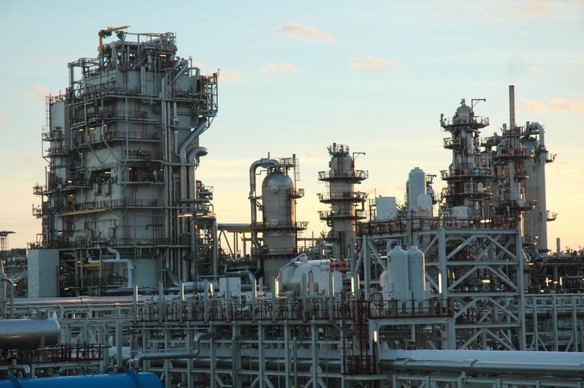 MÅ BYTTES: Yterligere fire kjølere skal byttes på LNG-anlegget på Melkøya.