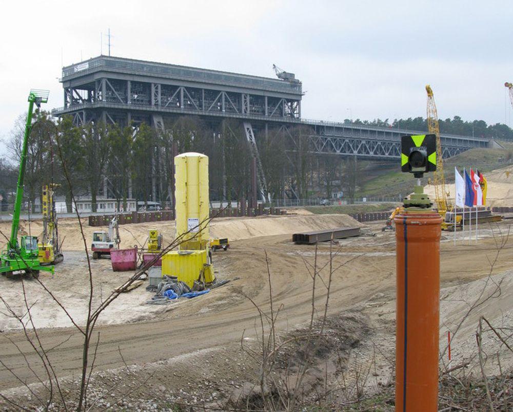 Nylig startet byggingen av en ny skipsheis ved siden av den gamle i Niederfinow nordøst for Berlin.