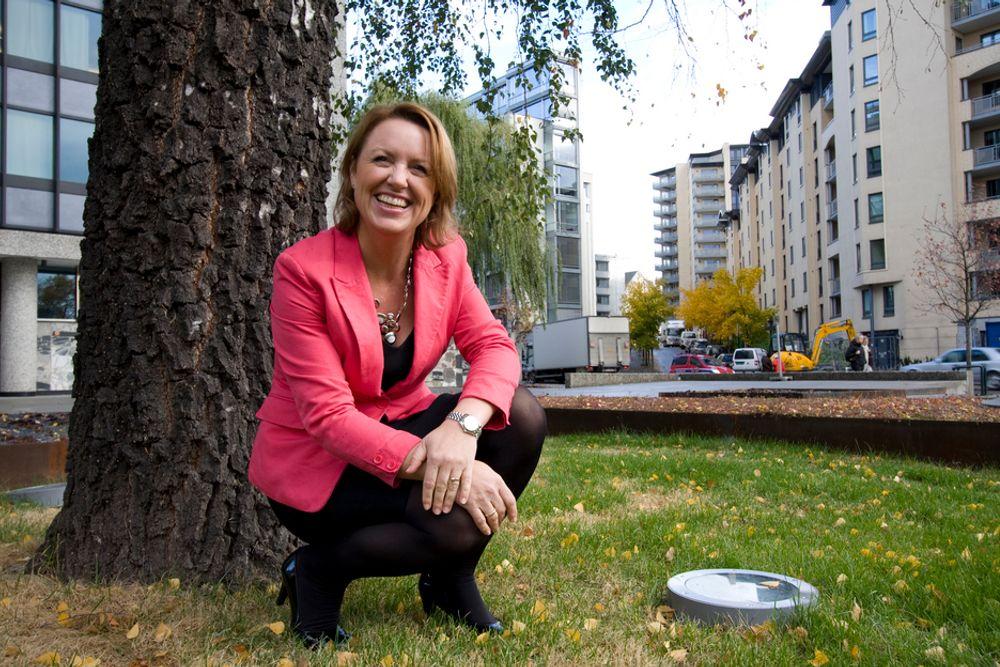 FORNØYD: RIF-direktør Liv Kari Hansteen er en blid dame. Hun har allerede vært i media fire ganger oftere enn i fjor, og året er ennå ikke omme.