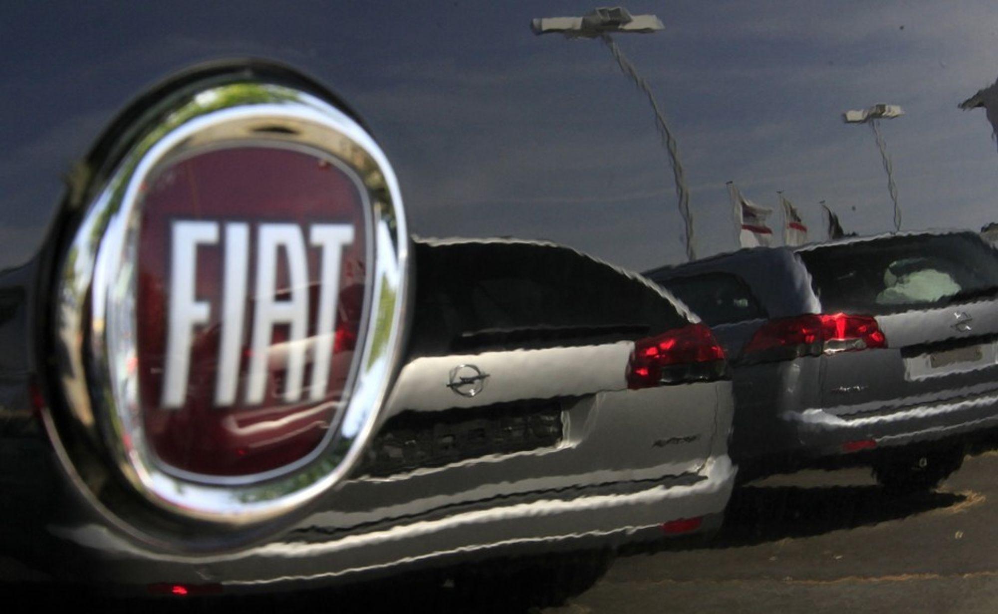 Bildelprodusentene Magna International fra Canada og RHJ International fra Belgia gir nå italienske Fiat kamp om å overta majoriteten i Opel fra General Motors.