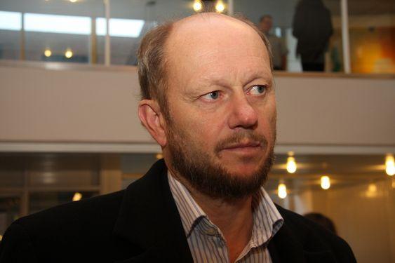 Stein Lier-Hansen, adm. dir. Norsk Industri, på vei til krisepakkemøte.