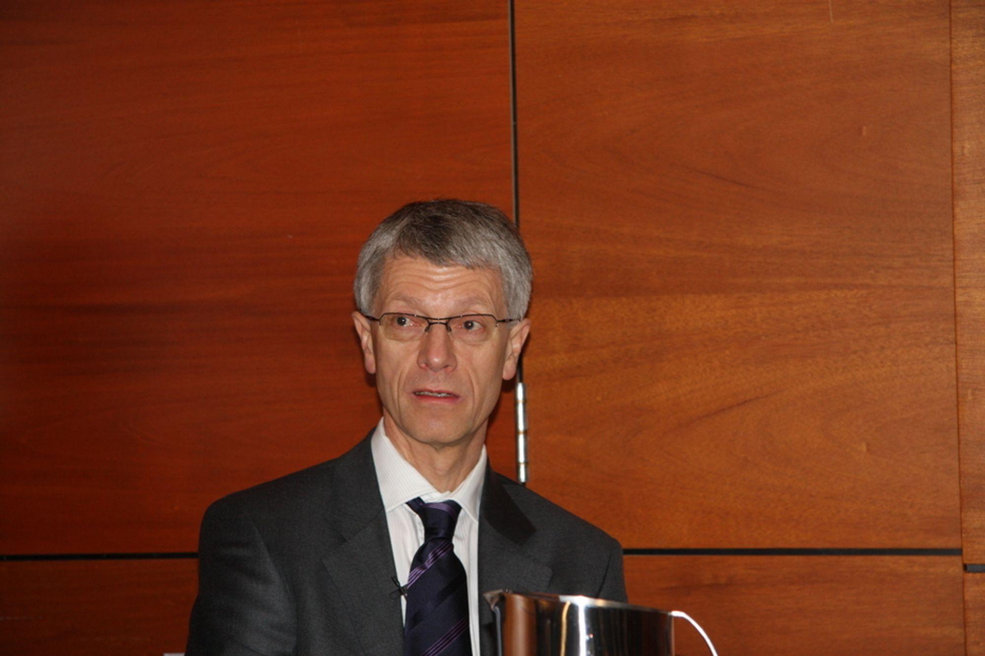 Olav Volldal i KA kvitter seg med luftfartsvirksomheten.