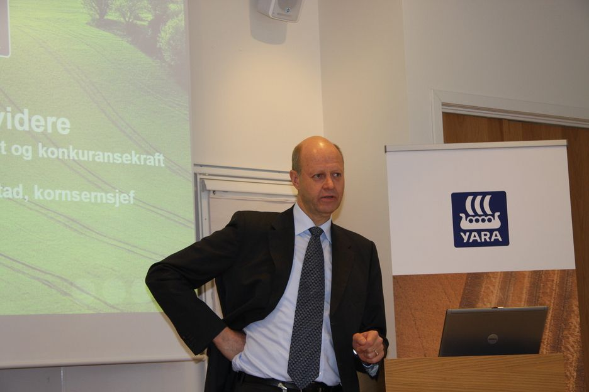 4 MILLIARDER: Konsernsjef Ole Jørgen Haslestad i Yara vil delta i en investering på 4 millliarder kroenr for en ny amminiumnitrattfabrikk i Australia.