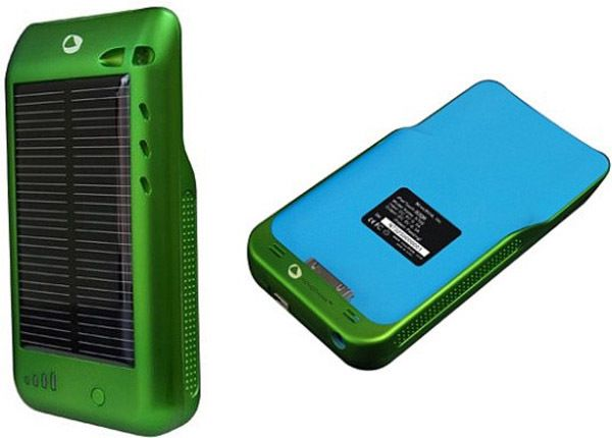 Novothink Surge lader din iPhone mens du slapper av i skyggen.