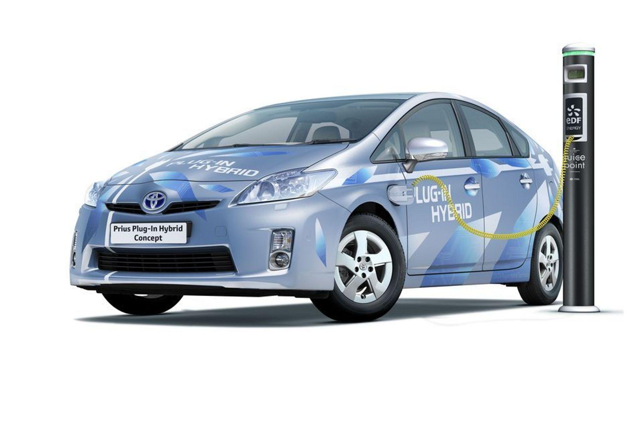 Toyota Prius som ladbar hybrid vises fram for første gang på bilmessen i Frankfurt. Om noen måneder blir den også å se på norske veier.