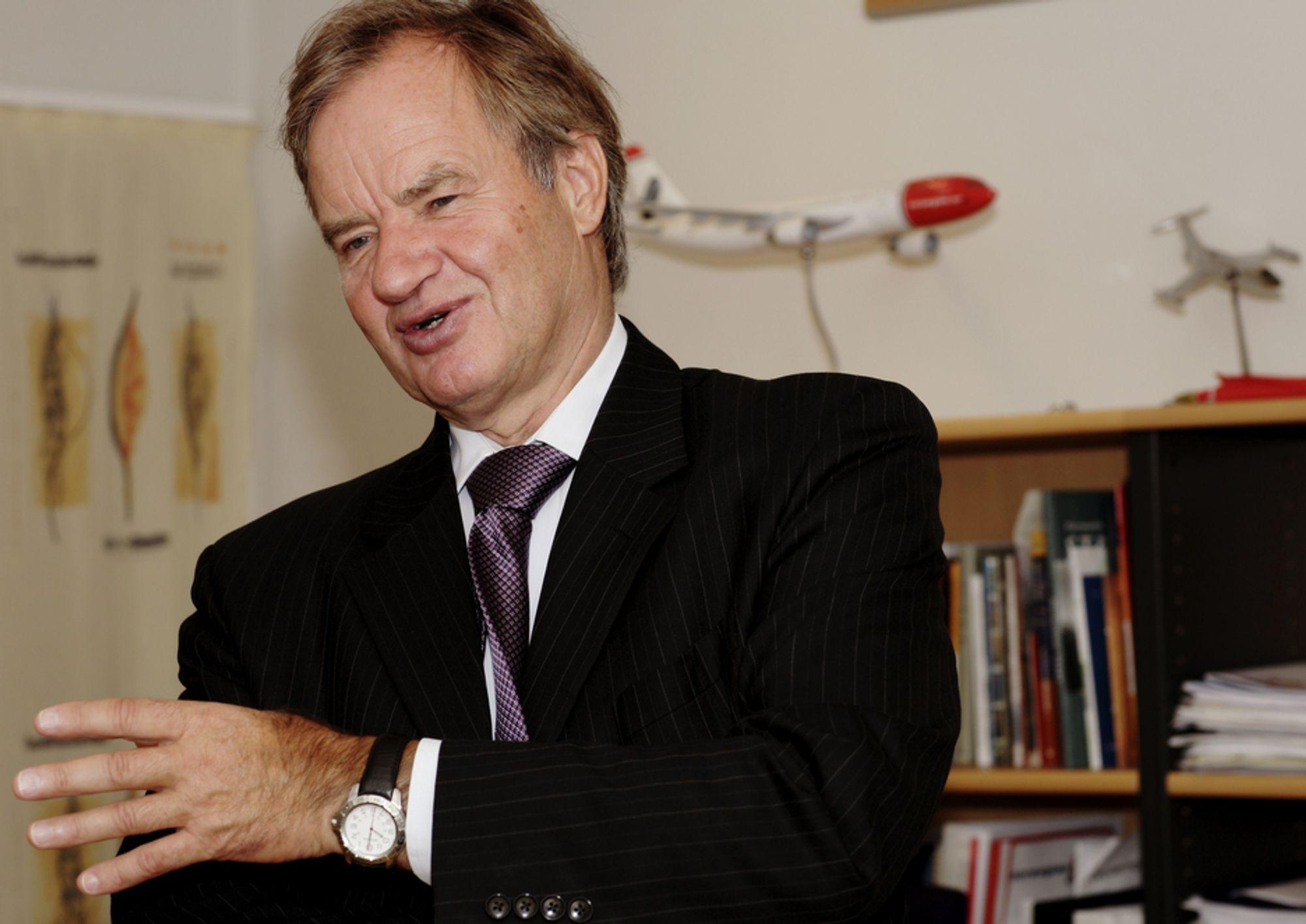 - Flytrafikken vil bli det mest miljøvennlige alternativet, sa Norwegian-sjef Bjørn Kjos til Teknisk Ukeblad i forrige uke. Nå får han kritikk.