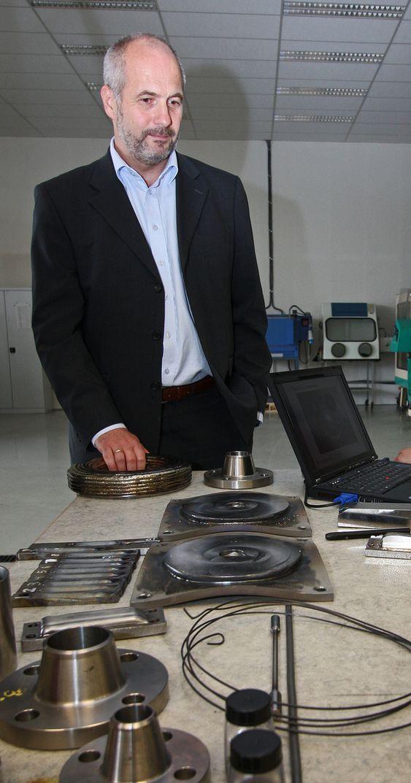 TITANMILJØ: - Målene står fast, understreker direktør Petter Gjørvad i Norsk Titanium. -  Vi skal bli ledende i verden og skal i tillegg bygge opp et titanmiljø i Norge.