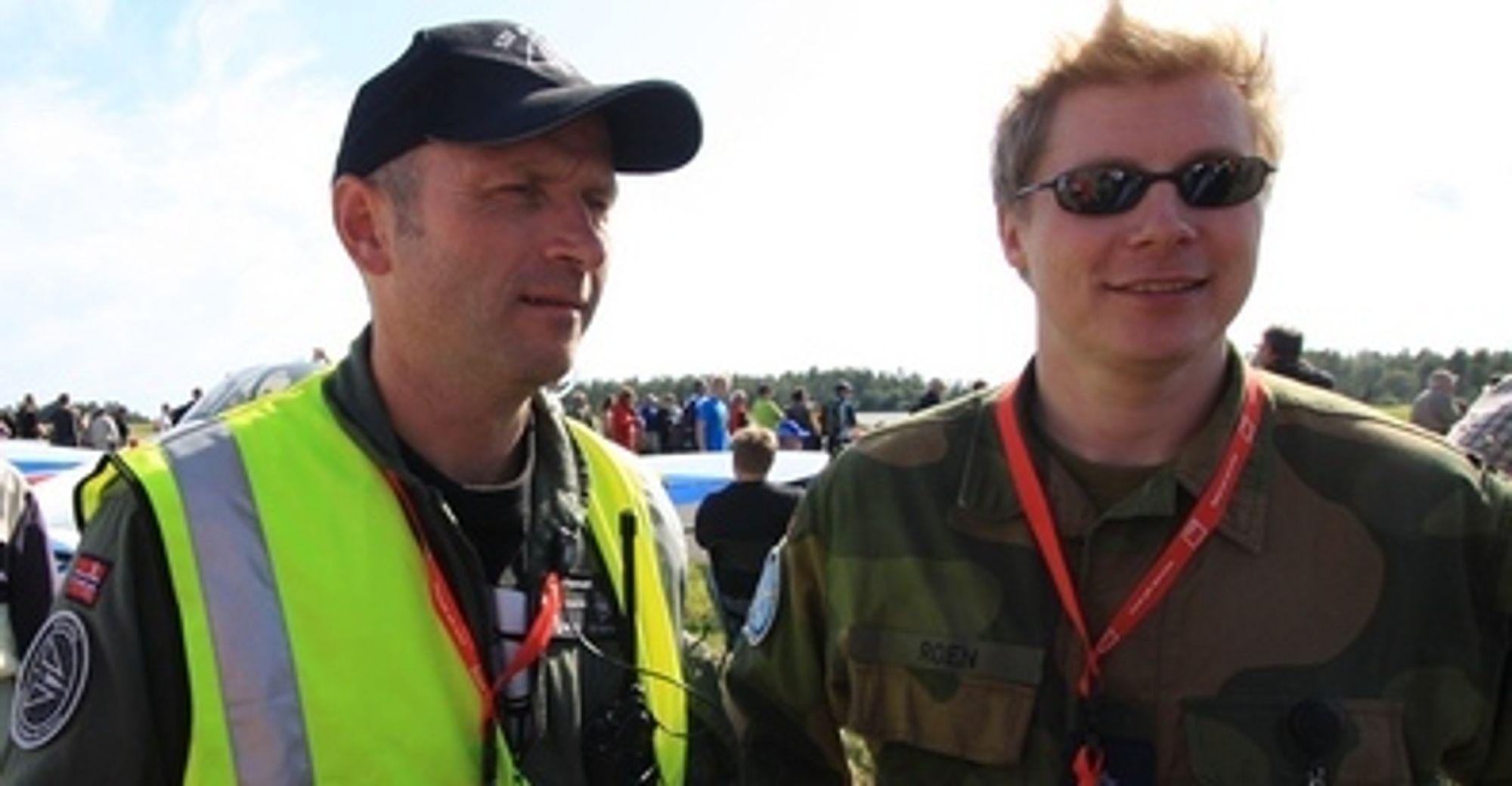Lufthavnsjef Lars Christian Aamodt (t.v) og presseoffiser Stian Roen.