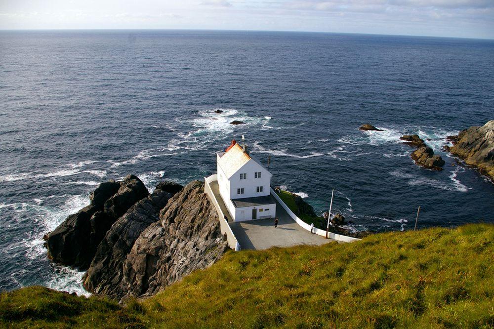 Norske vindkraftressurser er av gigantiske dimensjoner. I Måløy håper man å bli for vindkraften det Stavanger er for oljen.