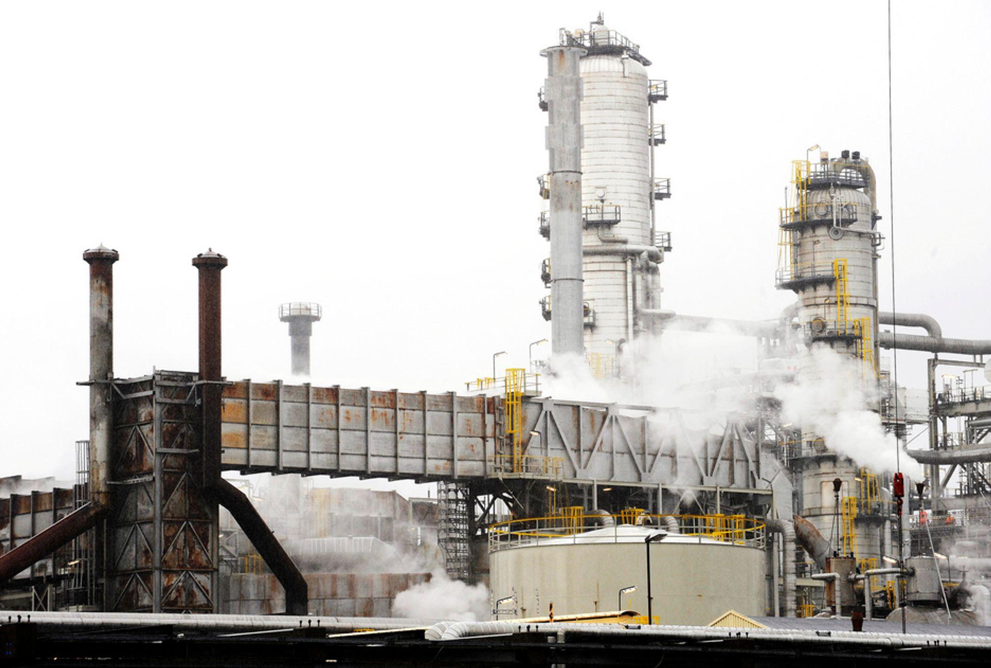 UKJENTE KONSEKVENSER: CO2-rensingen på Mongstad kan bli satt i gang før man kjenner til konsekvensene av aminutslippene det fører til. I verste fall kan de være kreftfremkallende.