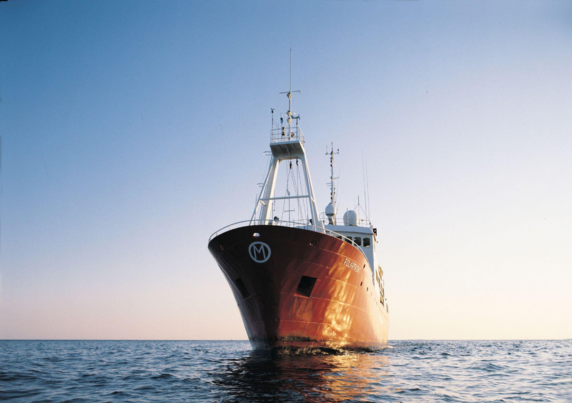 Værskipet Polarfront har aldri måttet gå til havn på grunn av været. Nå må det gå til havn på grunn av satellittene.