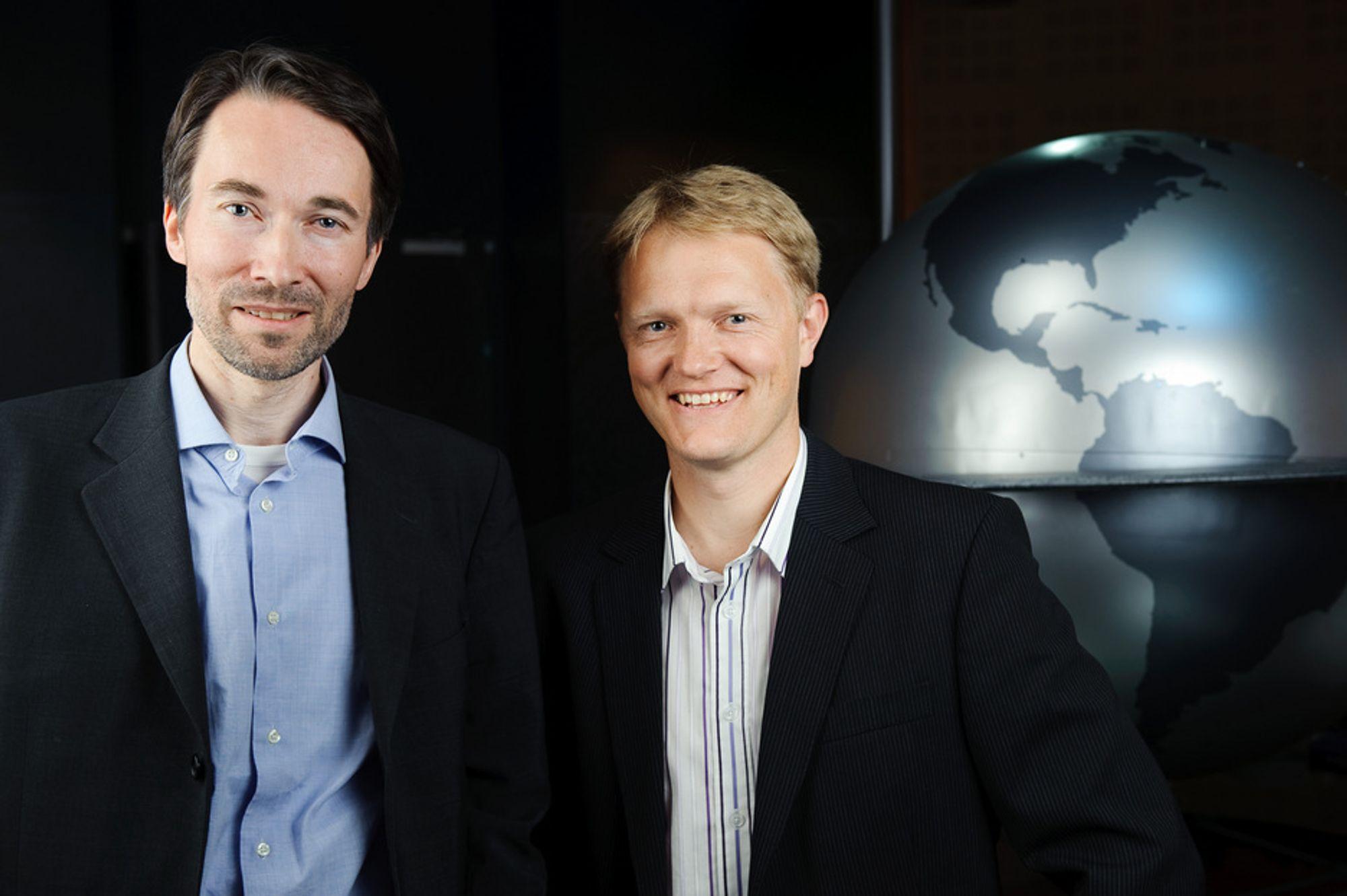 Brage W. Johansen i StatoilHydro og Bjørn Elseth ved Norsk Romsenter skal samarbeide - ettersom oljeleting og romfart har mye til felles.