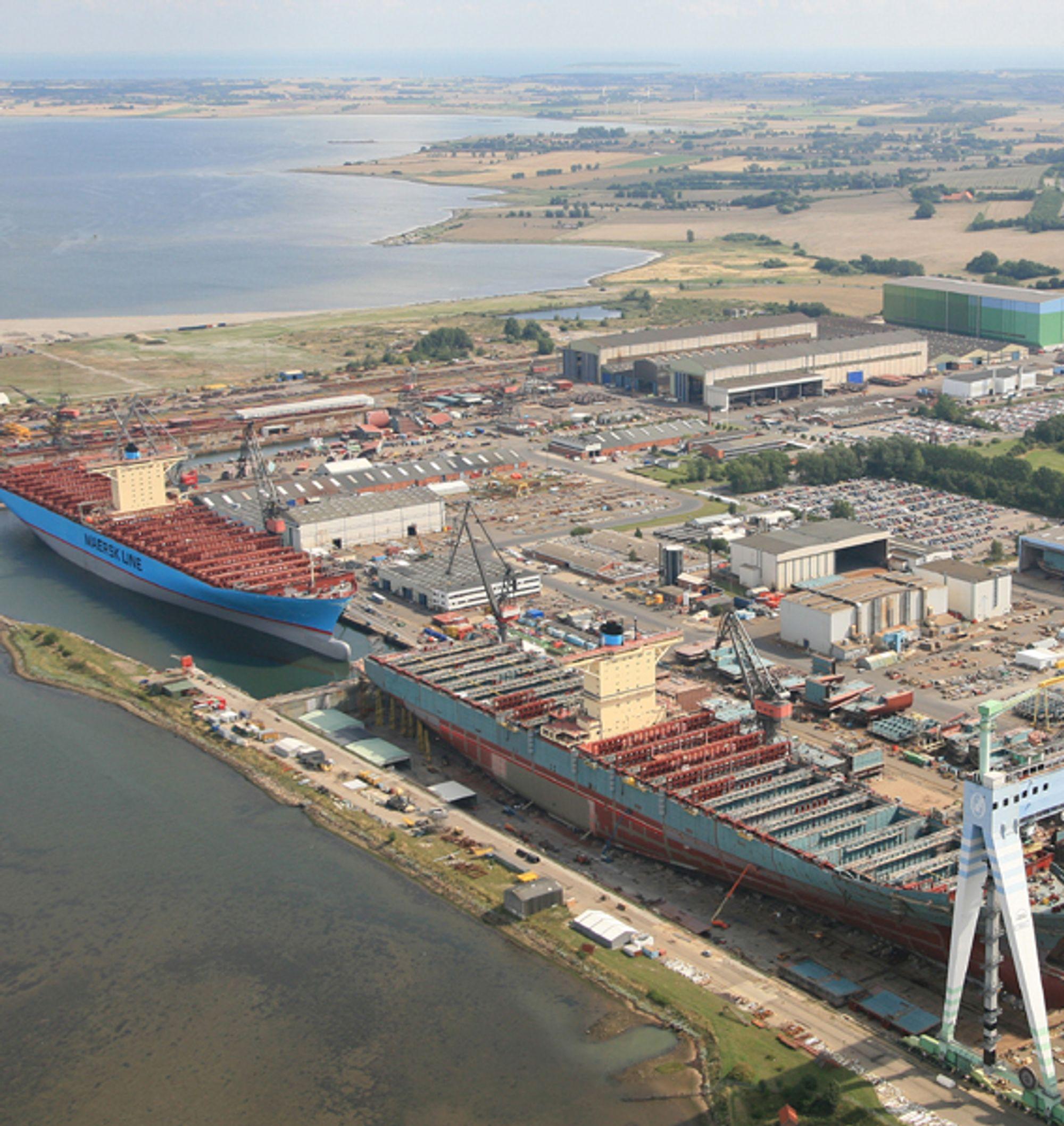 UTLEIE: Det er plass til mange leietakere på Odense Stålskibsverfts område. I 2006 ble verdens største containerskip bygget her. Nå skal det bare bygges mindre skip. Det blir mye som kan leies ut av området.