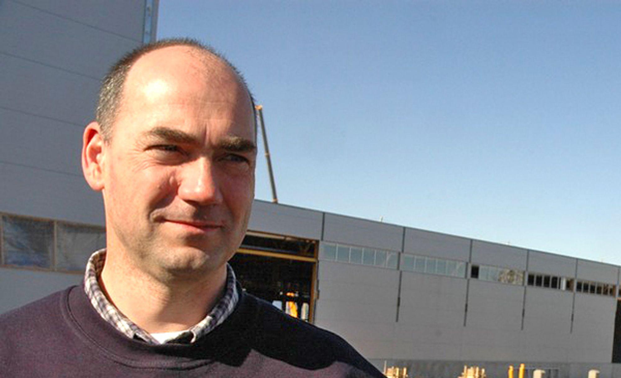 Olav Holta var den første REC-ansatte på Herøya. Nå er det slutt.
