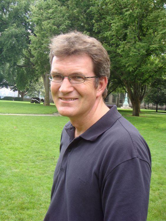 Petter Osmundsen, professor i Petroleumsøkonomi ved UiS, frykter at Mongstad-prosjektet drives mer av prestisje enn nøkterne betraktninger.