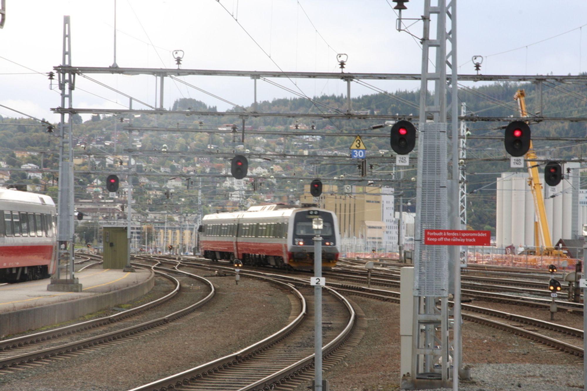 GAMMELT: Mange signalanlegg i det norske jernbanenettet begynner å nå kritisk alder, noe som skaper trøbbel med hensyn til trafikken.