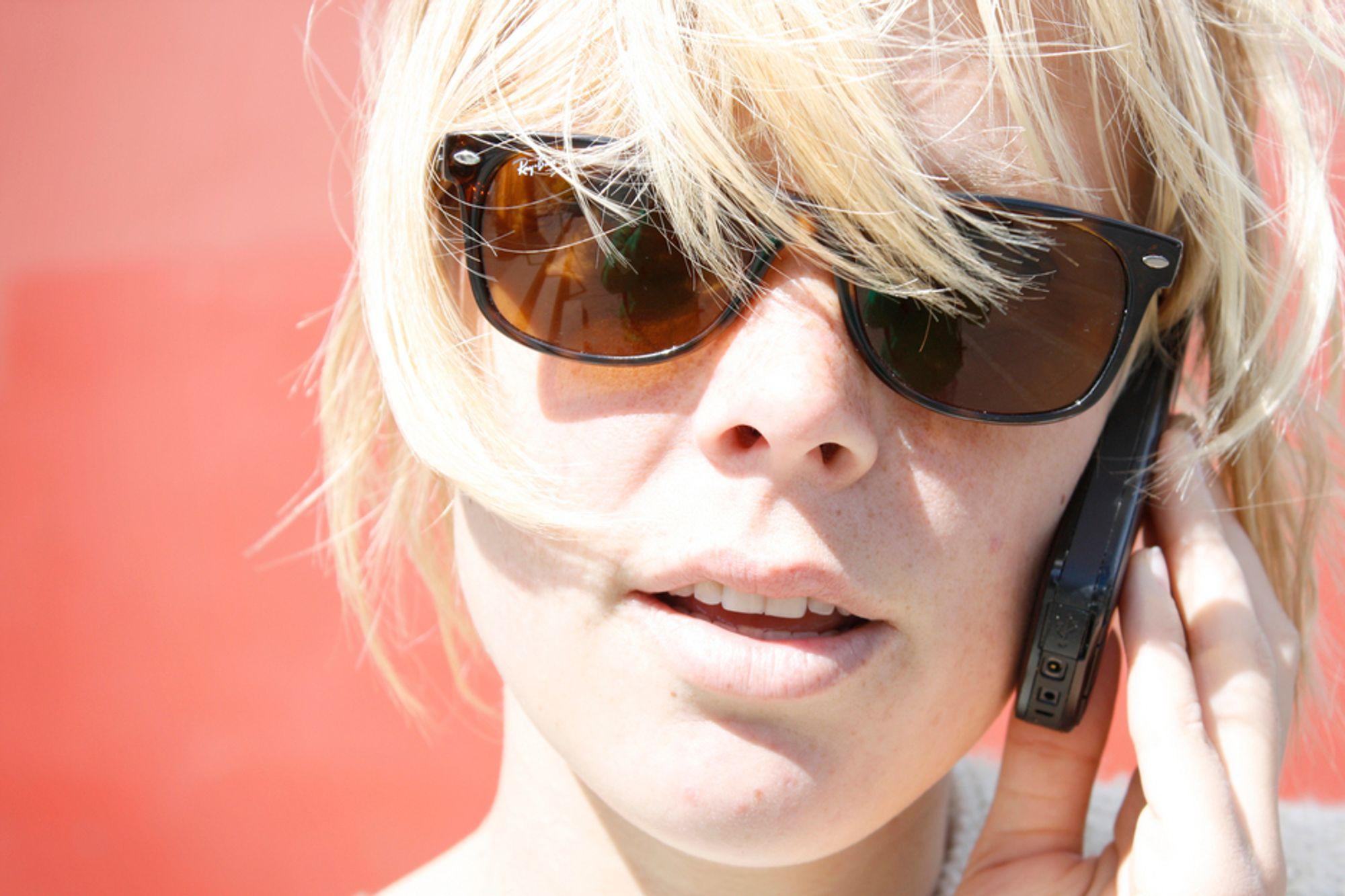 STRÅLING: Mange mobiltelefoner har høy stråling, mens det finnes noen som er godt skjermet. Nå kan du enkelt sjekke hvilke som er best.