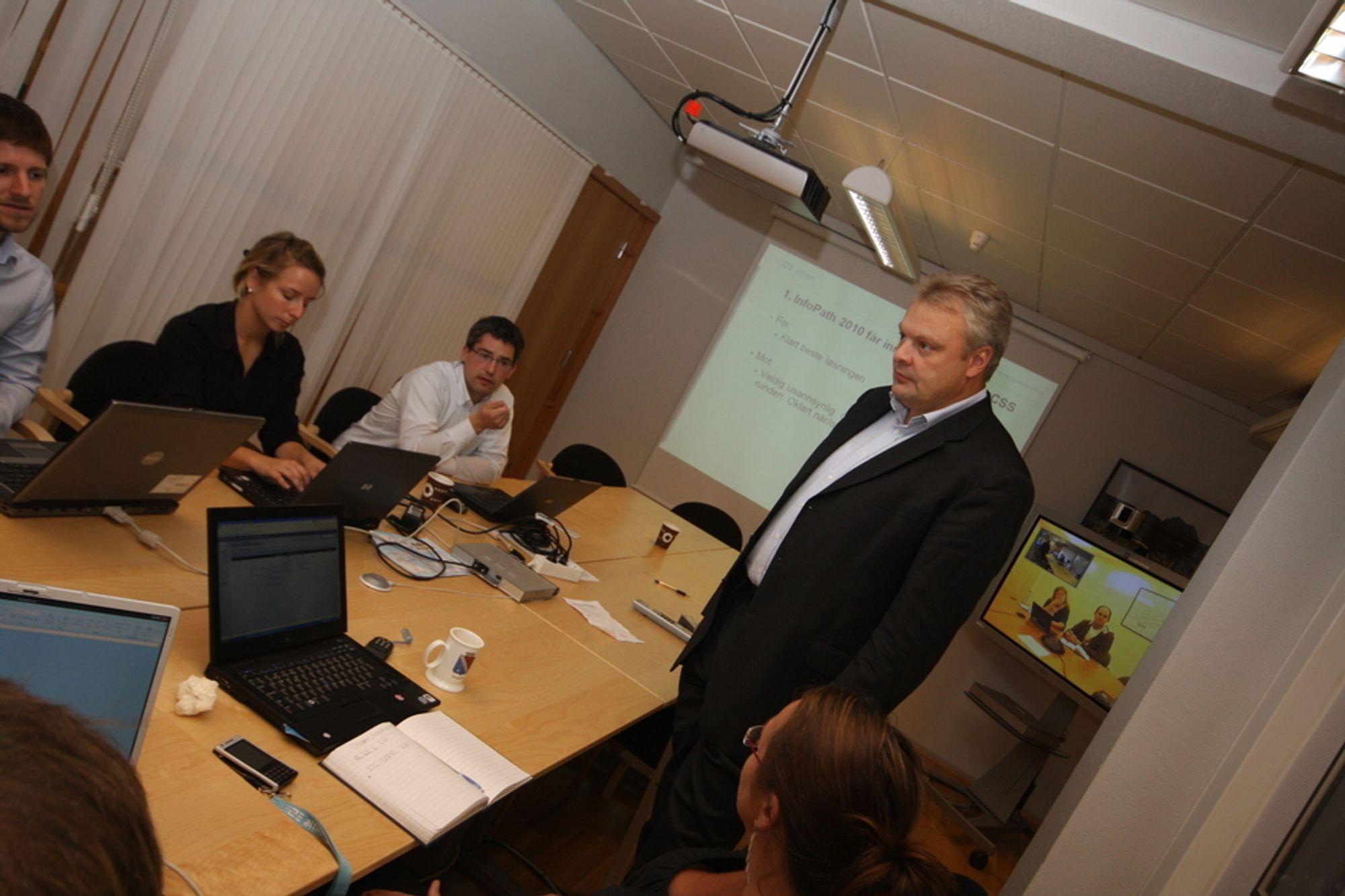 MØNSTERBRUK: Edvard Pedersen og prosjektstaben i Altinn II skal brukes som mønster for andre offentlige IT-prosjekter.