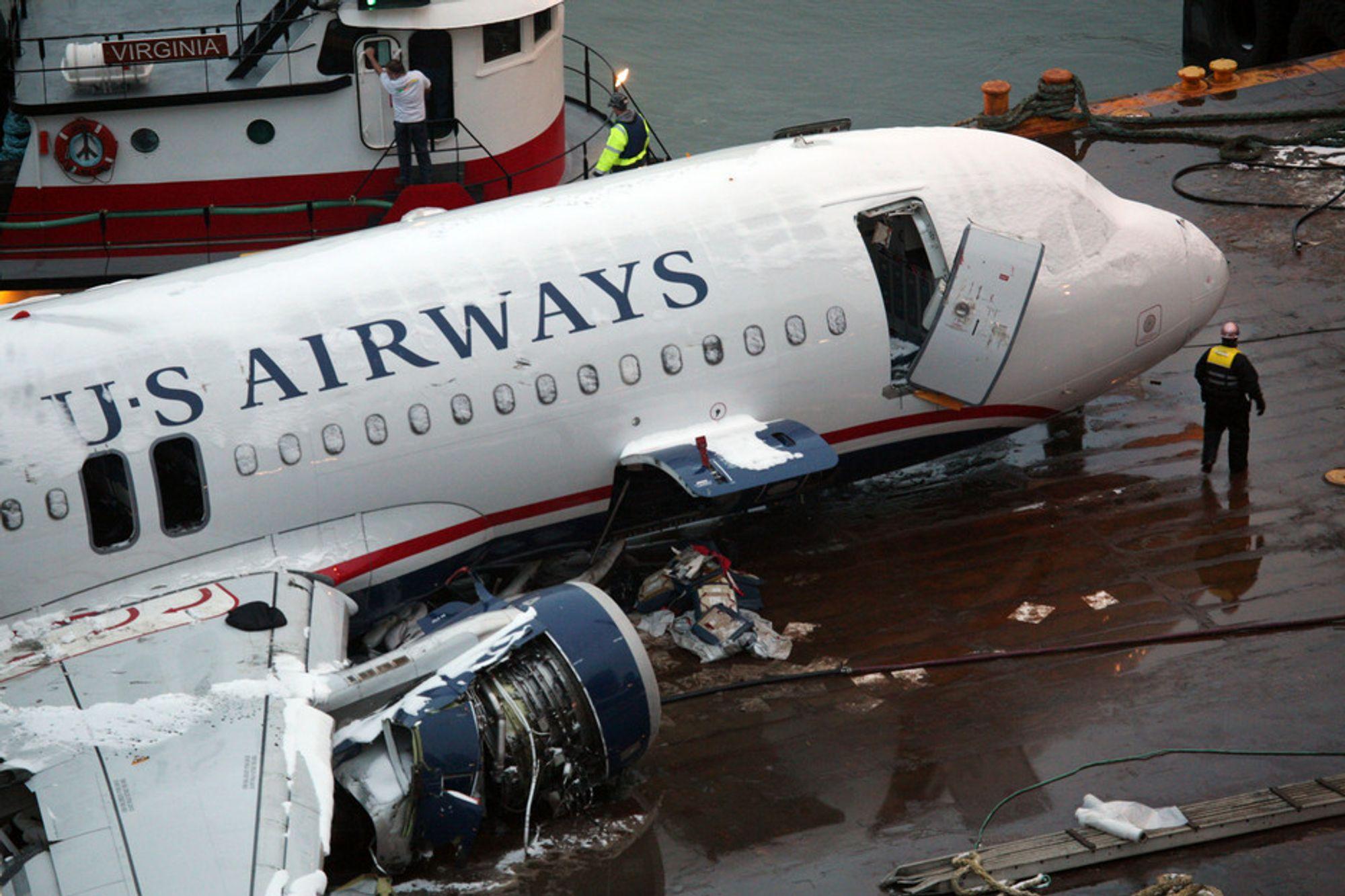 KRASJ: US Airways-flyet som krasjet i Hudson-elven i forrige uke, kom seg ikke høyere enn 975 meter. Kapteinens manøver gjorde likevel at ingen omkom.