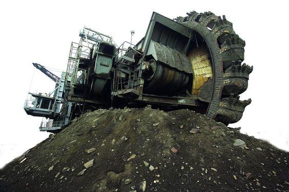 Oljesand fra Canada. Statoilhydro har brukt  12 milliarder kroner for å kjøpe North American Oil Sands Corporation (NAOSC).