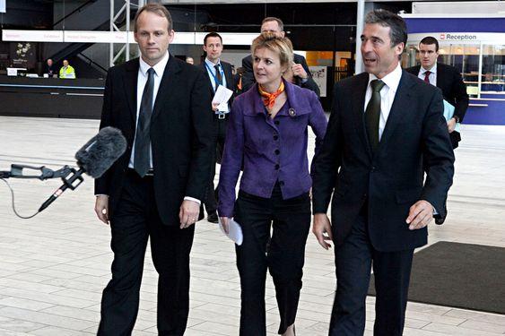 Dean Henrik Dam, Prorector Lykke Friis, Prime Minister Anders Fogh Rasmussen