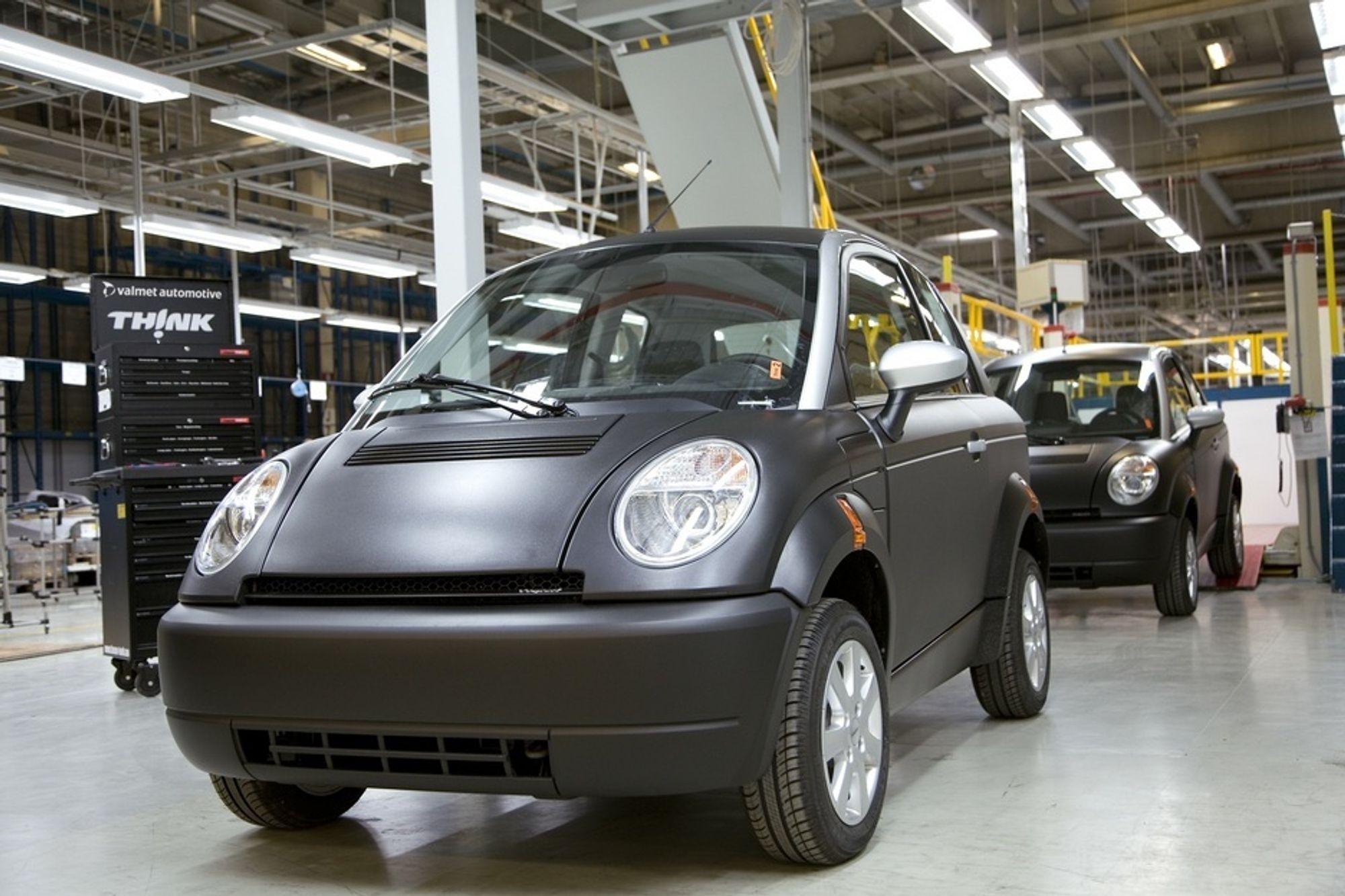 De første Think City-elbilene har nå begynt å rulle ut av fabrikken i Finland. Om et års tid kan samme elbil bli produsert også i USA. Der blir den kun tilgjengelig med litiumionebatterier fra EnerDel.