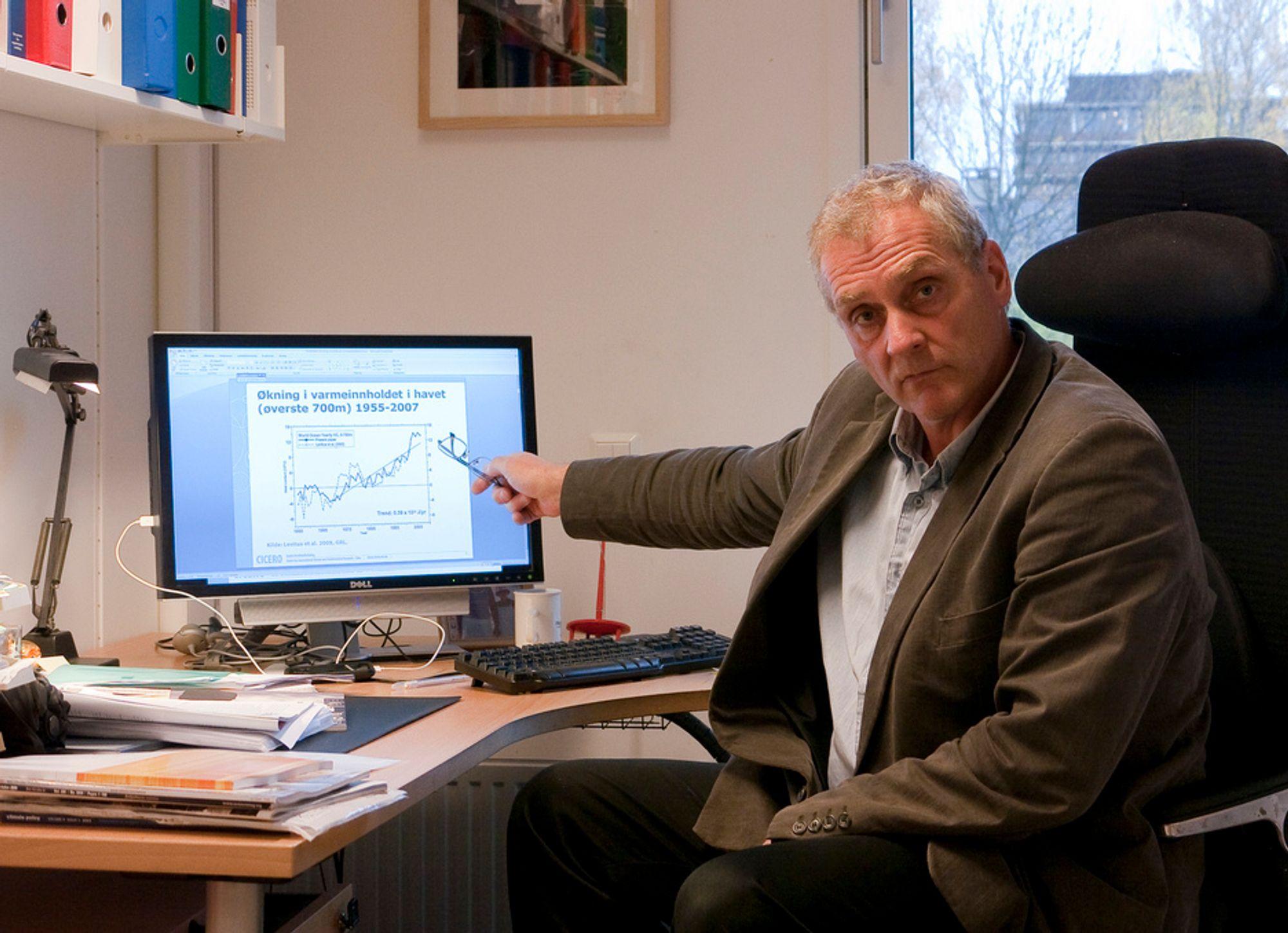 VARMERE:Adm. direktør ved CICER, Pål Prestrud tilbakeviser påstandene om at temeraturøkningen på jorden har stoppet opp.