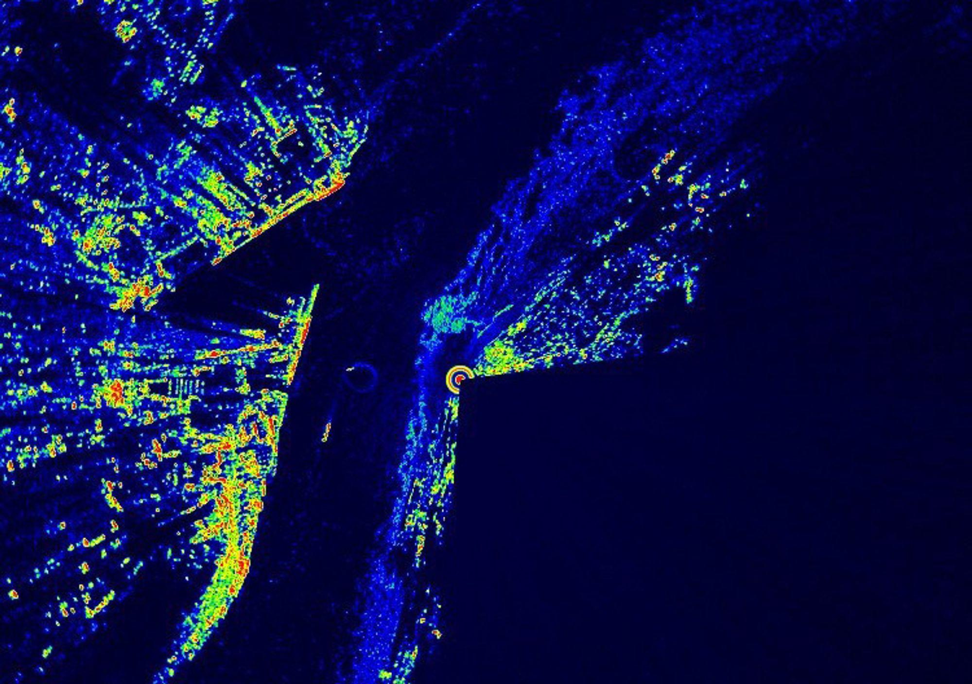QUEBEC: Kongsberg Norcontrols nye teknologi gir mer detaljerte radarbilder, her fra Quebec. Bedre inntrykk får du ved å gå inn på http://www.youtube.com/watch?v=LKtNbCXuet0 hvor man kan se skip og is som beveger seg på elven.