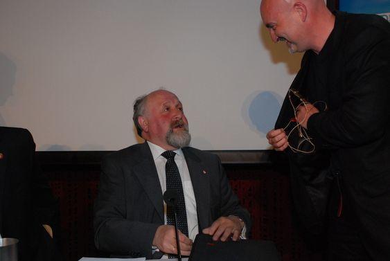 Tore Nordtun (Ap) og Kristian Pladsen fra EBL. Bildet er tatt under en debatt i forbindelse med EBL-rapporten Den grønne ledertrøya 4. mai 2009.