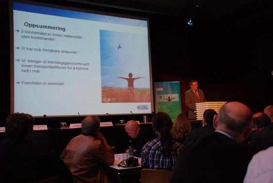 Steinar Bysveen i EBL. Bildet er tatt under en debatt i forbindelse med EBL-rapporten Den grønne ledertrøya 4. mai 2009.