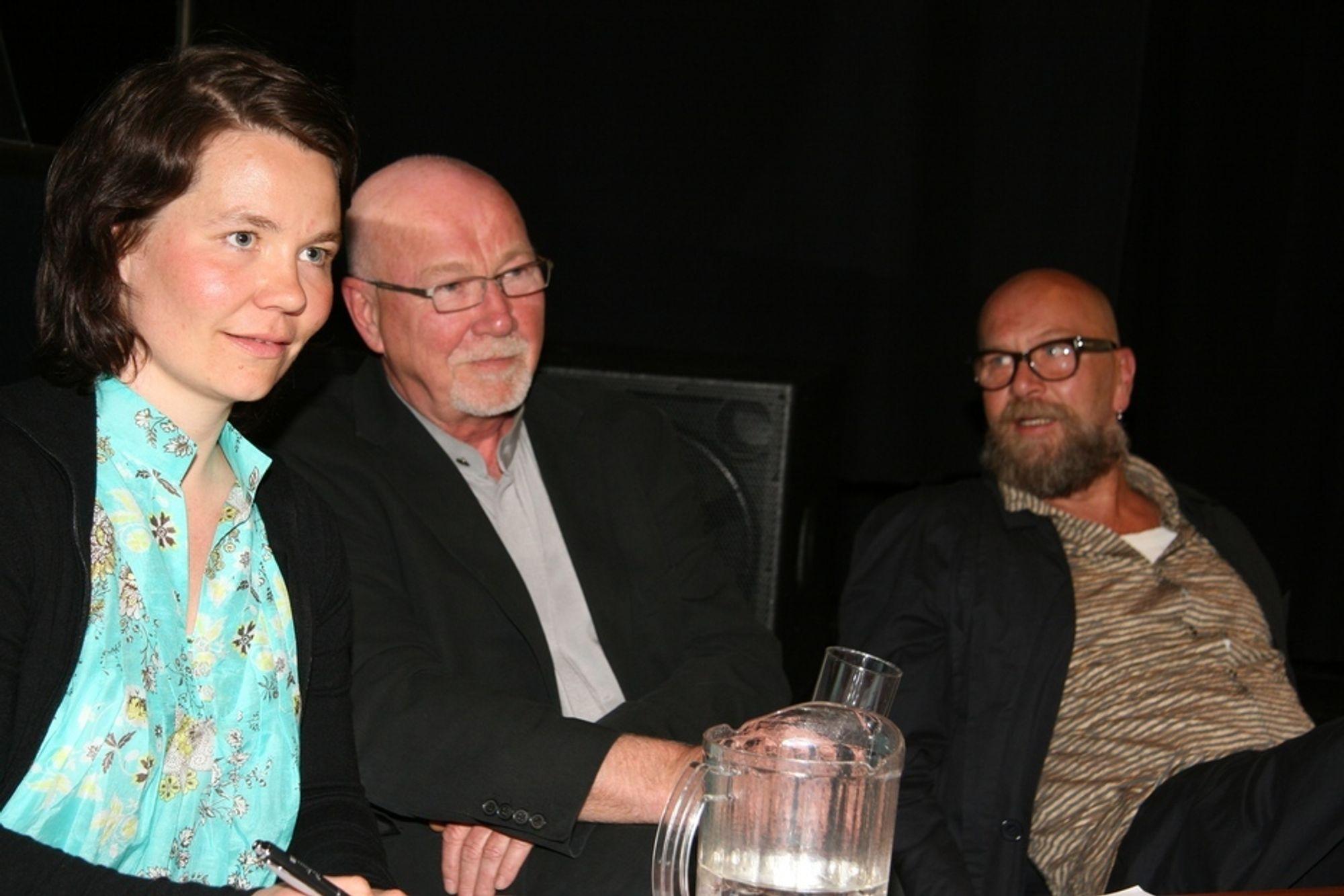 SKEPSIS: Kristin Holte fra Sintef Byggforsk, Tarald Lundevall fra Snøhetta og Olaf Brastad fra Bellona ble møtt av skepsis da de la frem sine ideer om hva som skal til  for å få miljøriktig sanering av utrangerte bygg.
